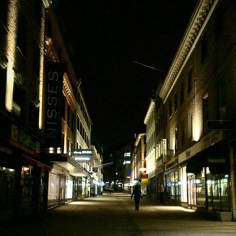 Kl 06:29 på Sats Kungsgatan en tisdag morgon.