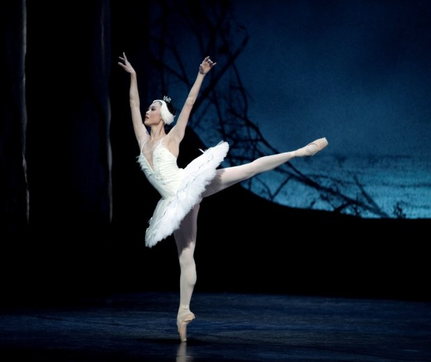 ballett_svanesjoen_2011_tsjajkovskij_foto_erik_berg_5